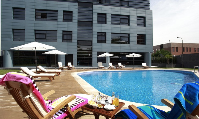 SWIMMING POOL Nuevo Boston Hotel Madrid- Airport